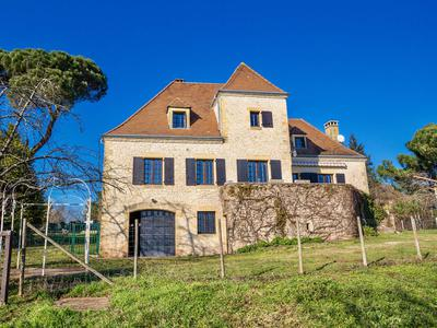 French property, houses and homes for sale in ST PANTALEON DE LARCHE Correze Limousin