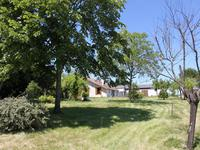French property for sale in SAUVETERRE DE GUYENNE, Gironde - €262,150 - photo 2
