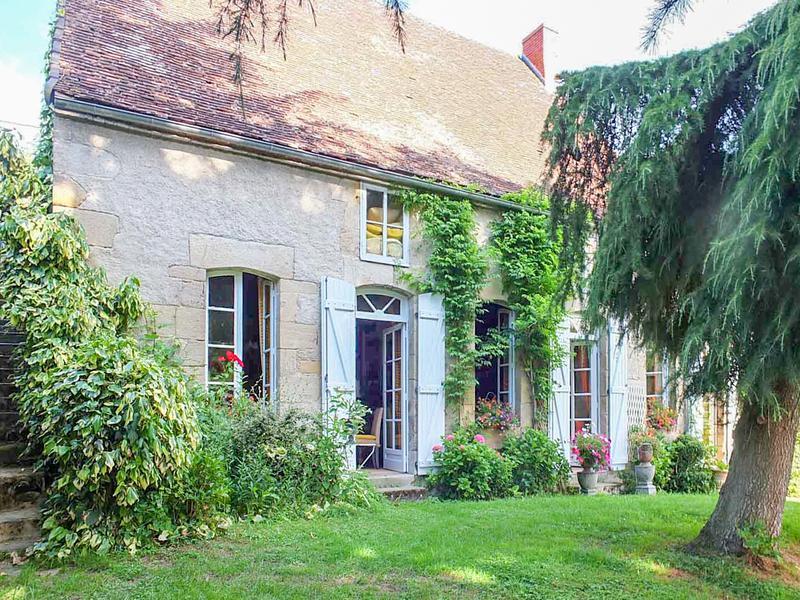 Maison vendre en auvergne allier souvigny charmante for Acheter une maison en auvergne