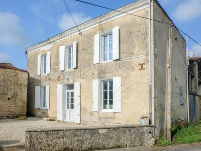 French property, houses and homes for sale in ST PIERRE DE L ISLE Charente_Maritime Poitou_Charentes