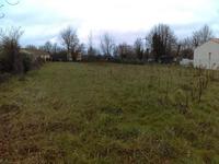 Terrain à bâtir, dans un hameau tranquille