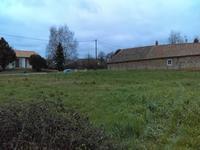 Terrain à bâtir, ancien permis de construire pour deux pavillons dans un hameau tranquille