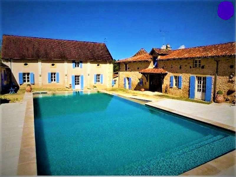 Maison vendre en aquitaine dordogne sarliac sur lisle for Piscine 18eme