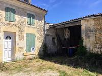 French property for sale in BURIE, Charente Maritime - €77,000 - photo 2