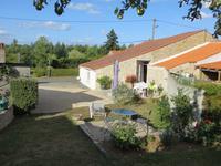 maison à vendre à ST JEAN DE BEUGNE, Vendee, Pays_de_la_Loire, avec Leggett Immobilier