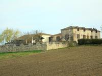 French property for sale in MONTAGNAC SUR LEDE, Lot et Garonne - €440,000 - photo 2