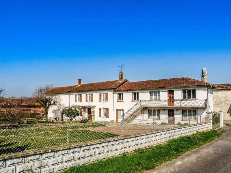 Maison à vendre à LE BOUCHAGE(16350) - Charente