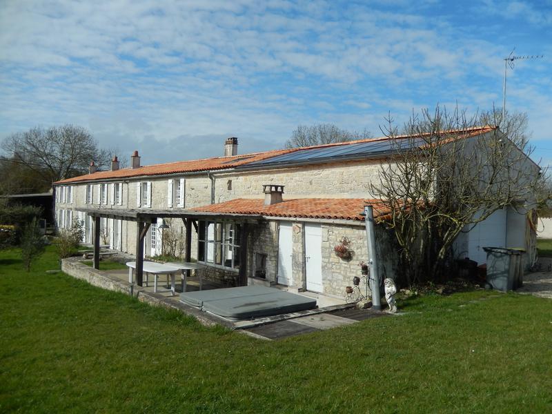 Maison à vendre en Poitou Charentes - Charente Maritime ST ...