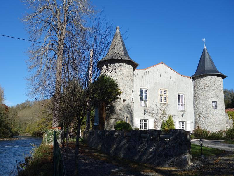 Chateau à vendre à LABROQUERE(31510) - Haute Garonne