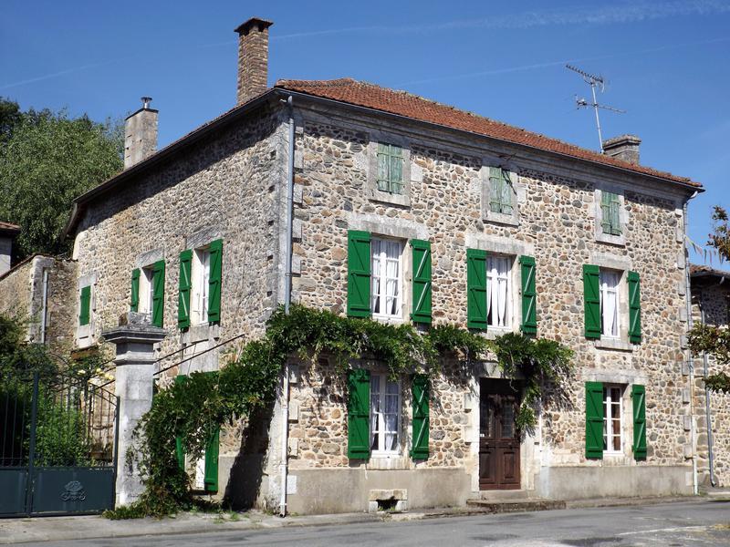 Maison à vendre à SURIS(16270) - Charente