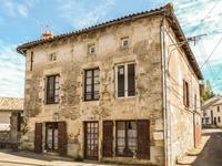 Maison à vendre à Charroux, Vienne, Poitou_Charentes, avec Leggett Immobilier