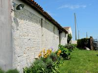 French property for sale in NUAILLE DAUNIS, Charente Maritime - €300,000 - photo 10