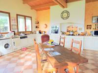 French property for sale in NUAILLE DAUNIS, Charente Maritime - €300,000 - photo 4