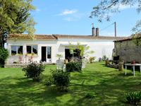French property for sale in NUAILLE DAUNIS, Charente Maritime - €300,000 - photo 1