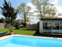 French property for sale in NUAILLE DAUNIS, Charente Maritime - €300,000 - photo 2
