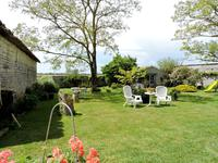 French property for sale in NUAILLE DAUNIS, Charente Maritime - €300,000 - photo 3