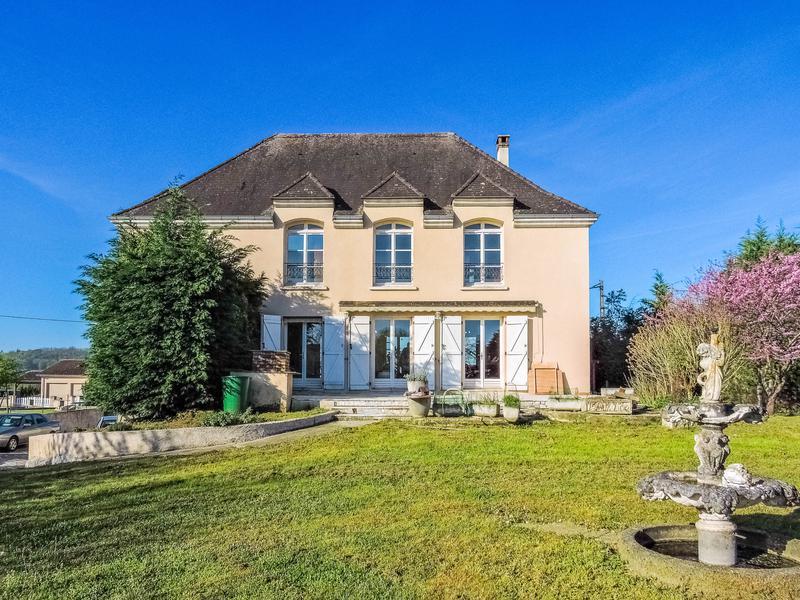 Maison vendre en aquitaine dordogne terrasson la for Acheter une maison de village