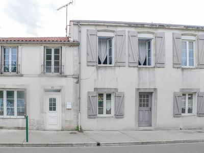French property, houses and homes for sale in CIRE DAUNIS Charente_Maritime Poitou_Charentes