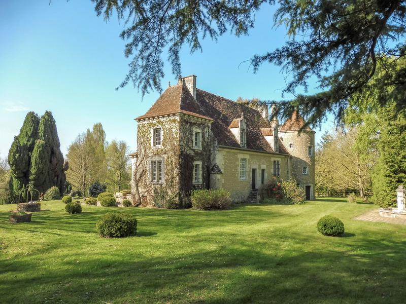 Chateau vendre en basse normandie orne mauves sur huisne proche bell me - Chateau gonflable a vendre ...