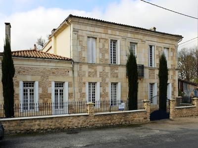 French property, houses and homes for sale in REIGNAC Gironde Aquitaine