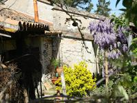 French property for sale in PINEUILH, Gironde - €176,000 - photo 6