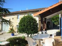 French property for sale in MANSLE, Charente - €371,000 - photo 4