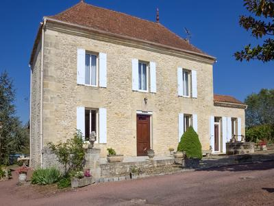 French property, houses and homes for sale in JUGAZAN Gironde Aquitaine