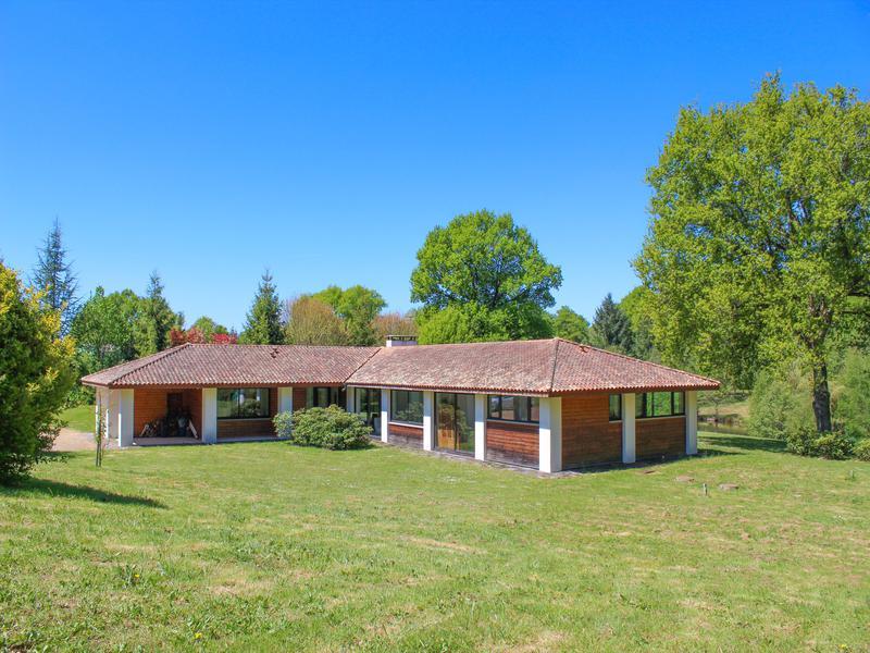 Maison vendre en poitou charentes charente saulgond for Architecte charente