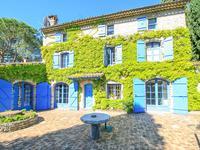 St Paul de Vence. Magnifique Mas traditionnel en pierre, du 19eme siècle, parc paysage de 3900m2, piscine, garage, vue sur village.