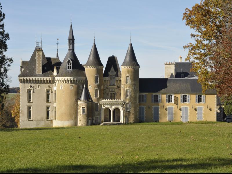 chateau vendre en centre indre mers sur indre magnifique ch teau du 18 me si cle gites. Black Bedroom Furniture Sets. Home Design Ideas