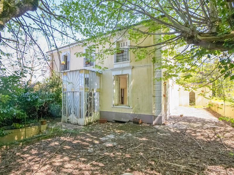maison vendre en midi pyrenees tarn mazamet tarn grande maison de ma tre en pierre pour. Black Bedroom Furniture Sets. Home Design Ideas