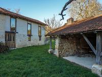Maison à vendre à LUSSAS ET NONTRONNEAU, Dordogne, Aquitaine, avec Leggett Immobilier