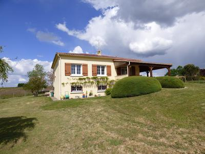 French property, houses and homes for sale in COZES Charente_Maritime Poitou_Charentes