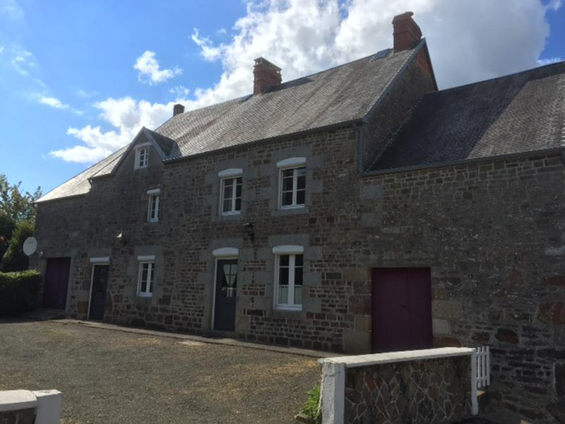 maison vendre en basse normandie manche sourdeval les bois une charmante maison en pierre. Black Bedroom Furniture Sets. Home Design Ideas
