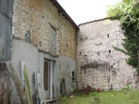 Maison à vendre à VOUHARTE en Charente - photo 9