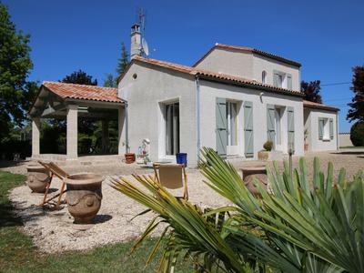 French property, houses and homes for sale in SALLES DE BARBEZIEUX Charente Poitou_Charentes