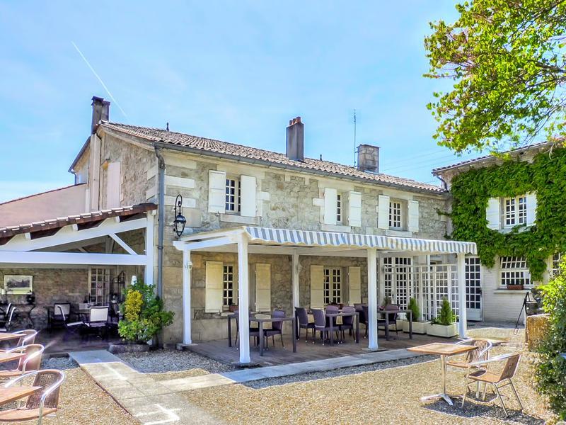 commerce vendre en poitou charentes charente cognac au coeur de la ville royale de cognac se. Black Bedroom Furniture Sets. Home Design Ideas