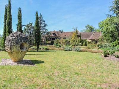 French property, houses and homes for sale in PEYZAC LE MOUSTIER Dordogne Aquitaine
