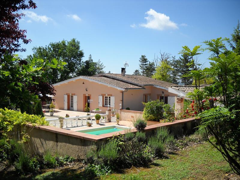 maison vendre en midi pyrenees tarn et garonne moissac tr s belle maison sur les hauteurs de. Black Bedroom Furniture Sets. Home Design Ideas