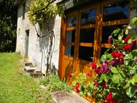French property for sale in MAIRE LEVESCAULT, Deux Sevres - €138,430 - photo 2