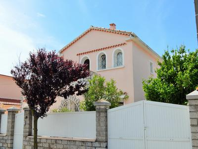 French property, houses and homes for sale in AGDE Herault Languedoc_Roussillon
