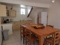 Super jolie maison de village vendue entièrement meublée avec terrasse ombragée à l'étage
