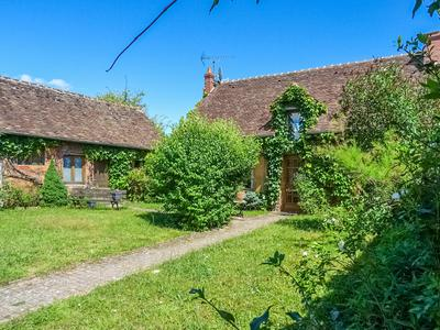 French property, houses and homes for sale in BRINON SUR SAULDRE Cher Centre