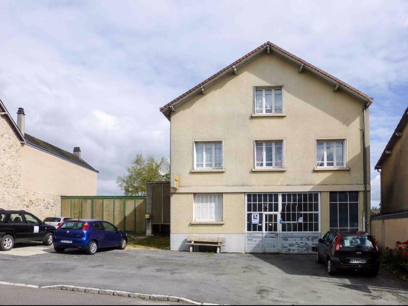 Maison vendre en limousin haute vienne ladignac le long maison de village de 3 chambres avec - Ancien garage automobile a vendre ...