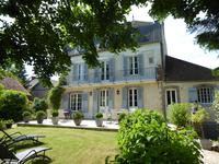 French property, houses and homes for sale inJOIGNYYonne Bourgogne