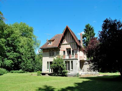 French property, houses and homes for sale in TREUX Somme Picardie