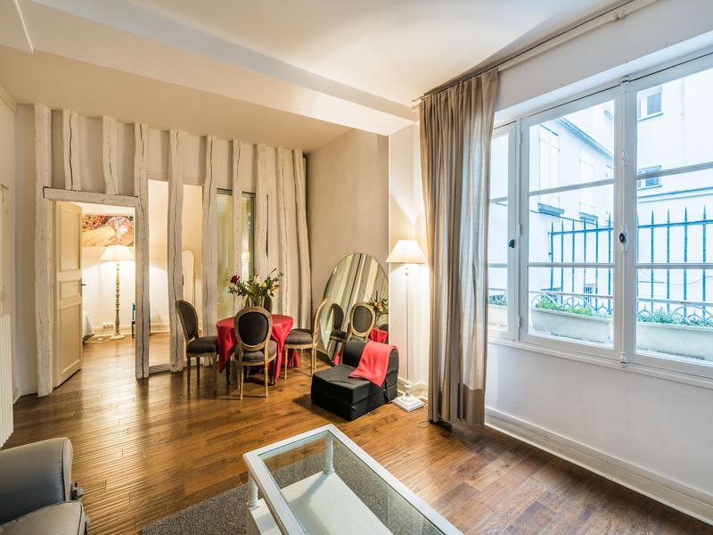 Appartement 2 pièces à vendre à PARIS VI (75006) -  Paris
