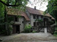 Maison à vendre à FELLETIN, Creuse, Limousin, avec Leggett Immobilier