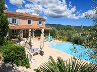 St Cezaire sur Siagne. Tres belle demeure, vue dégagée sur Baie de Cannes.