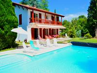 French property for sale in CAMBO LES BAINS, Pyrenees Atlantiques - €1,050,000 - photo 4